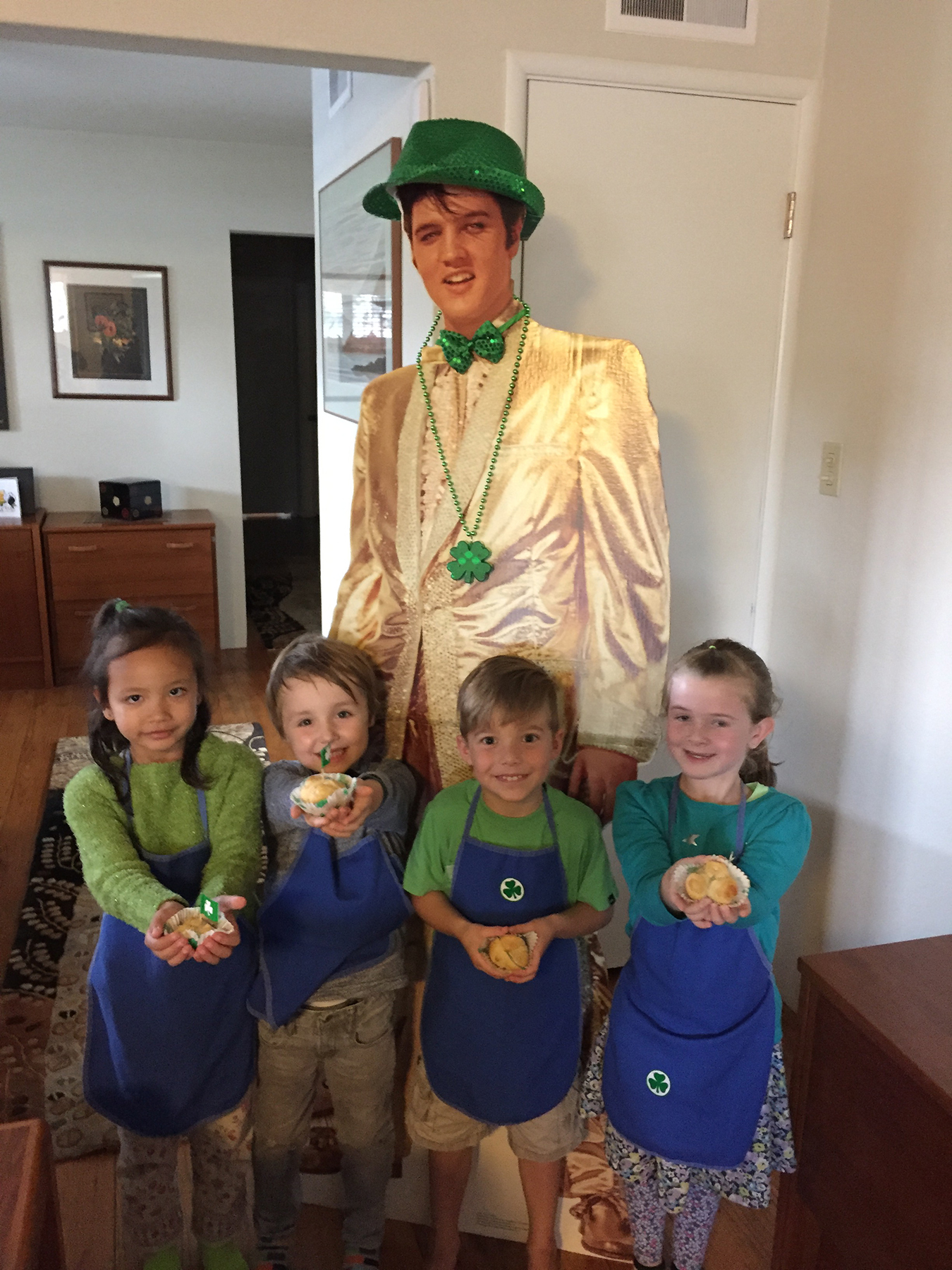 Robin Seeley  Farrah, Julian, Enzo and Abby can confirm that reports of Elvis's death have been greatly exaggerated. The King returned to supervise the latest session of the Culinary Academy of Post Street.