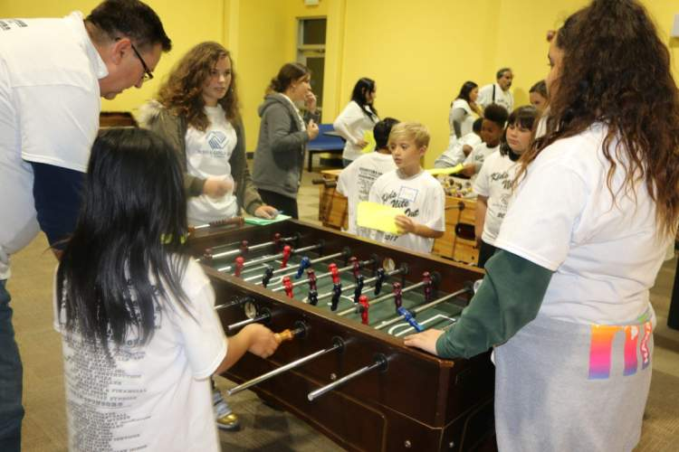 Courtesy photo &nbsp&nbsp Alameda Boys and Girls Club members enjoyed indoor games with their Kids Night Out buddies. The fun included pool, golf and foosball.