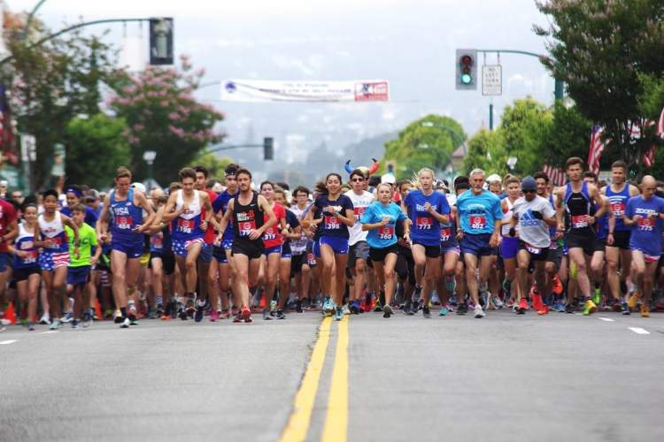 Ed Jay &nbsp&nbsp More than 800 athletes were at the starting line to take part in the annual Fourth of July foot race.