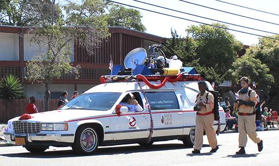 The Ghostbusters hearse was presented by Alameda Theater & Cineplex and Greer Family Mortuary. Photo by JoanAnn Radu-Sinaiko