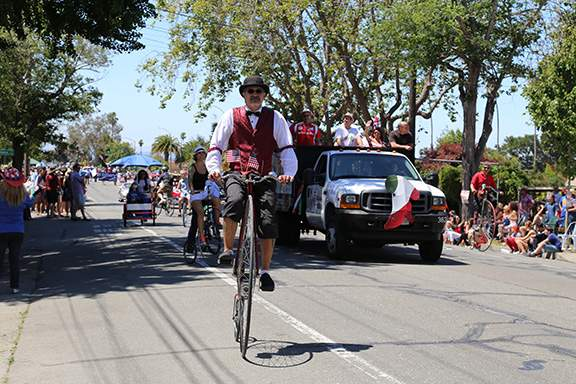 Those old timey penny farthings made an appearance. Photo by Kevin Francis Barrett.