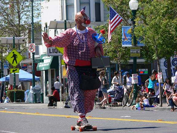 Kenny the Clown, an Alameda mainstay, made an appearance on Webster Street making balloon animals for all the kiddies.