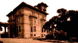 Join Alameda Sun publisher and historian Dennis Evanosky to learn the history of our city's East End. Dennis will talk about the Native American presence, Thompson's Artesian Waterworks (and how it created today's Christmas Tree Lane) and A. A. Cohen's estate (with his mansion pictured on the left). He will also introduce you to Cohen's son and photographer Edgar and detail how the East End developed in the early 20th century. The tour will begin at 9 a.m., Saturday, Aug.14. Meet at Versailles and Lincoln