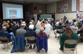 Dennis Evanosky &nbsp&nbsp Fernside neighbors packed the Edison Elementary School gymnasium last Friday to discuss crime in their neighborhood. Members of the Alameda Police Department and the entire City Council attended the confab.